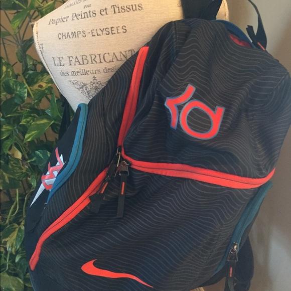 dfe1e6cd232f Kevin Durant Nike Backpack. M 5b4605fae944ba8cb159dd1e